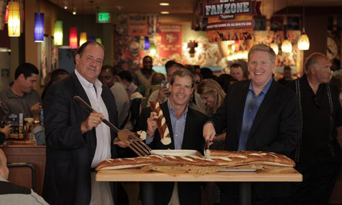 Applebee's Kicks Off National ESPN Fan Zone Game-Watching Experience