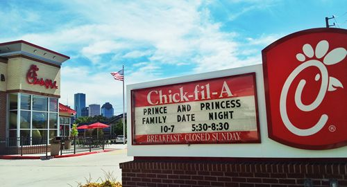 Houston-Area Chick-fil-A Restaurants Invite 4,000 Families to Dinner at Family Date Night Events