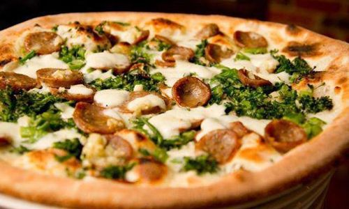 "Zagat Rates Nashville's Bella Napoli Pizzeria ""Best Pizza in Tennessee"""