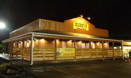 Dickey's Barbecue Offers Pit-Smokin Barbecue in Puyallup
