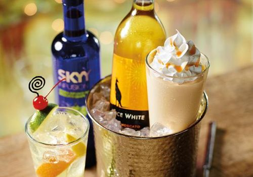 Red Robin Uncorks New Mango Moscato Wine Shake for Spring Season
