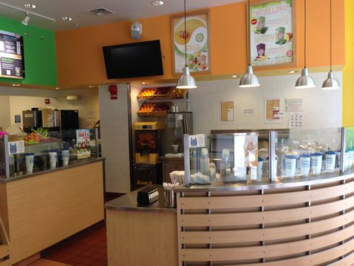 Robeks DC Flagship Store Celebrates 10 Year Anniversary with Deals