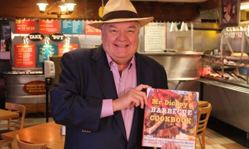 Mr. Dickey Visits Dickey's Barbecue Pit in Overland Park for Customer Event