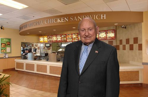 Truett Cathy, Chick-fil-A Founder and Chairman Emeritus, Dies at Age 93