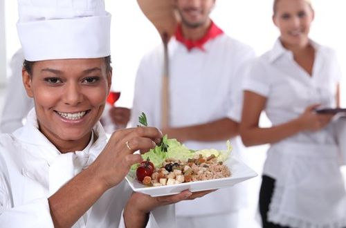 How to Make Your Restaurant Staff Feel Like a Team