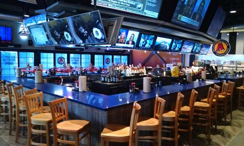 Central Pennsylvania's Beloved Sports Bar Brand Arooga's Set for First Franchise Restaurant Opening This Weekend, in Connecticut