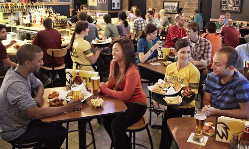 Buffalo Wild Wings Introduces B-Dubs Fast Break Lunch Menu