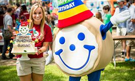 Eatn Park Celebrates Smileys Birthday With 99 Cent Kids Meals