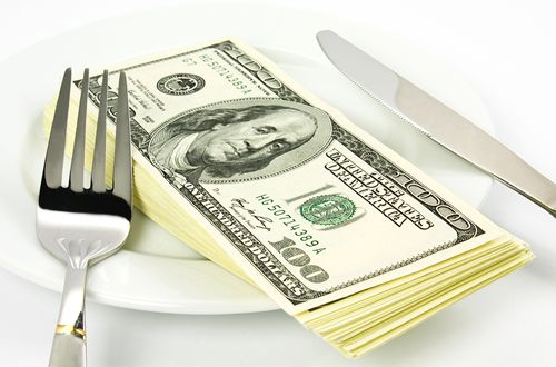 Raising wages to $15 an hour for limited-service restaurant employees would raise prices 4.3 percent