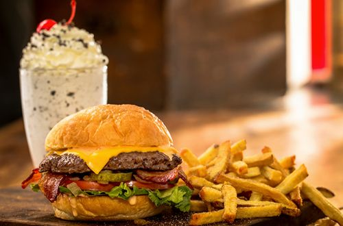 """MOOYAH Burgers, Fries & Shakes Wins """"Best In the Midwest Burger Contest"""""""