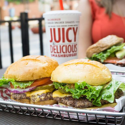 Smashburger Continues Los Angeles Growth with Opening at Universal CityWalk