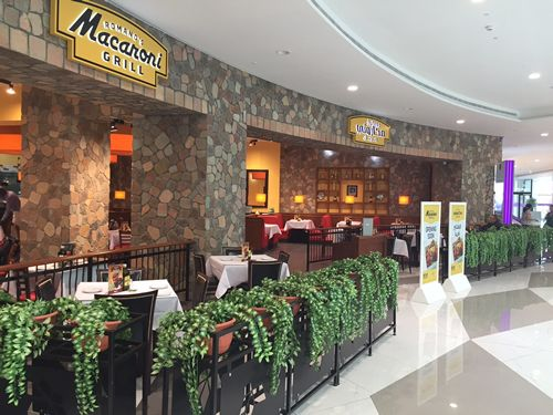 Romano's Macaroni Grill Opens 1st Restaurant in Muscat