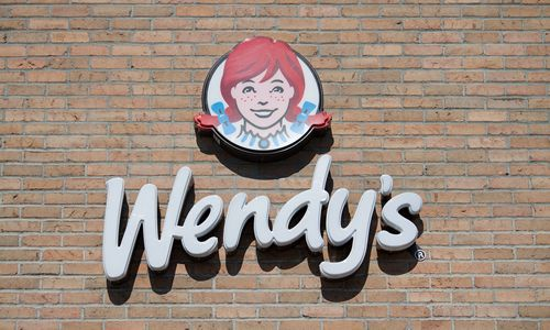 Wendy's Probes Reports of Credit Card Breach