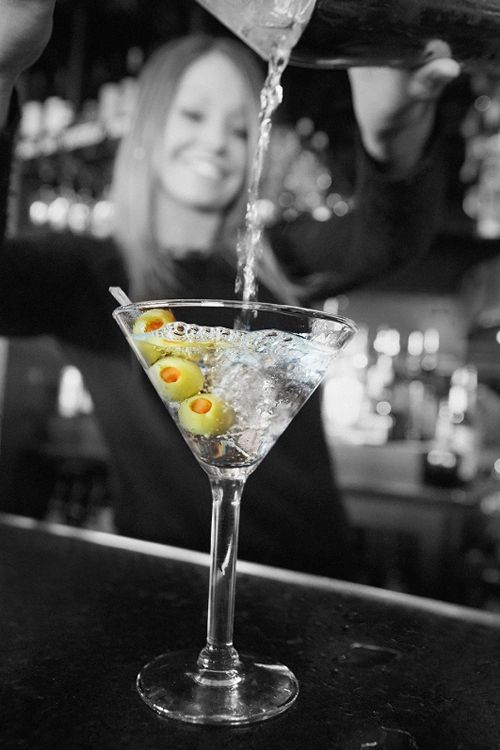Bar Louie Celebrates 7 Years in Centennial, Colorado with $2 Martinis