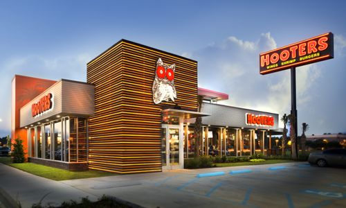 Hooters Unveils New Location in Garland on Lake Ray Hubbard