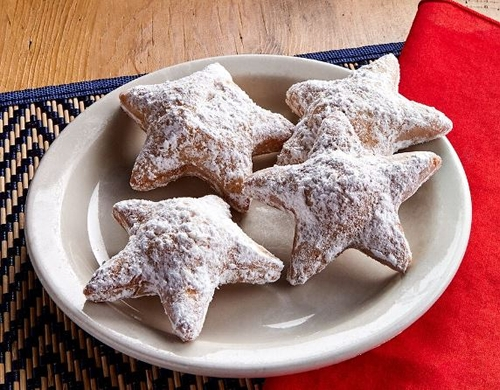 El Fenix Celebrates Independence with Free Star-Shaped Sopapillas