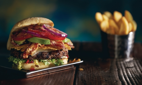 Red Robin Gourmet Burgers and Brews Invites Guests to Fall in (Mad) Love This Summer