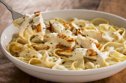 Olive Gardenu0027s Never Ending Pasta Bowl Returns With Addition Of  Bestu2013Selling Entrée, Chicken