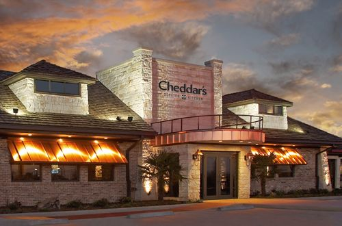 Cheddar's Scratch Kitchen Acquires Largest Franchisee