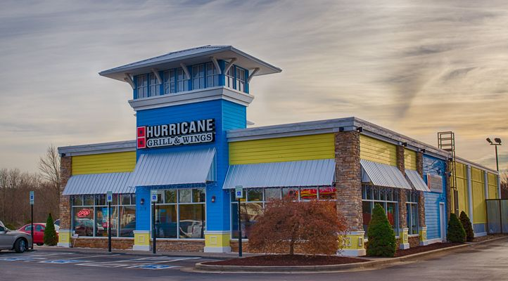 Hurricane Grill & Wings Celebrates Moms This Mother's Day with Special Offer
