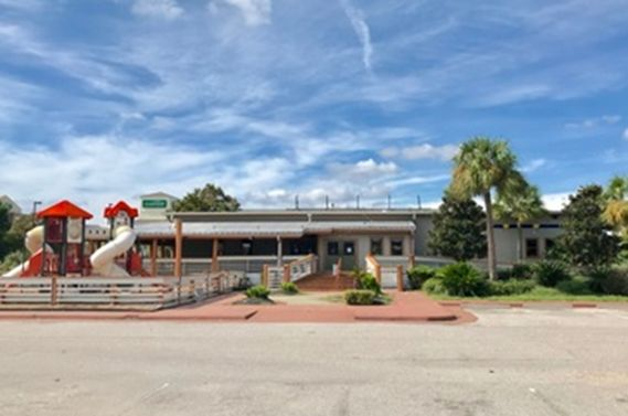 Former Joe's Crab Shack Goes to Auction, Sells to the Highest Bidder, Regardless of Price!