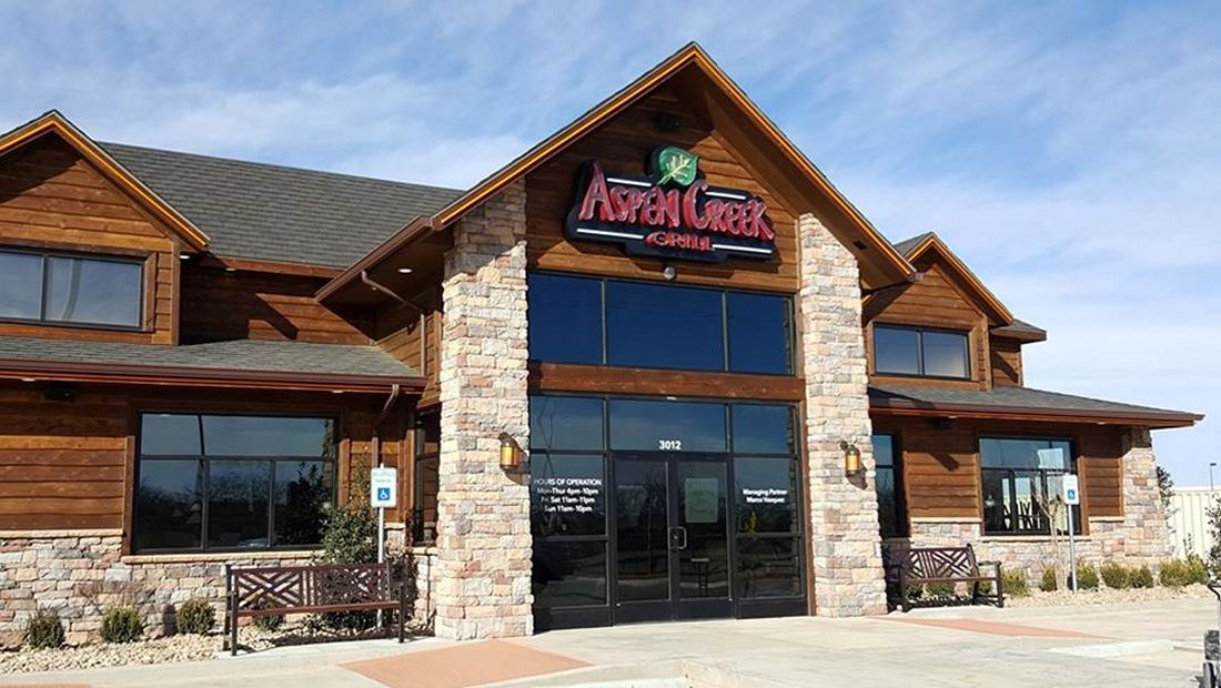 Aspen Creek Grill Honors Veterans Friday November 10th and Saturday November 11th with a Complimentary Lunch Entrée!