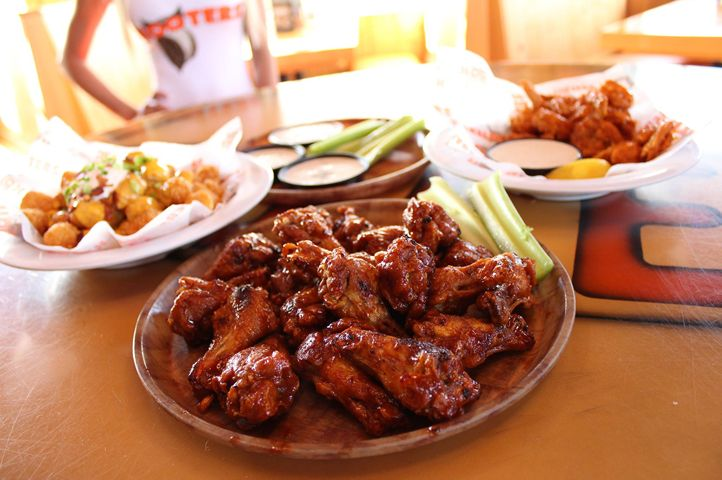Hooters Opens Newest Location in North Irving, Texas