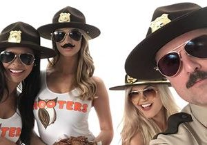 "It's No Joke! Hooters Teams Up with ""Super Troopers 2"" to Launch Snozzberry Sauce"