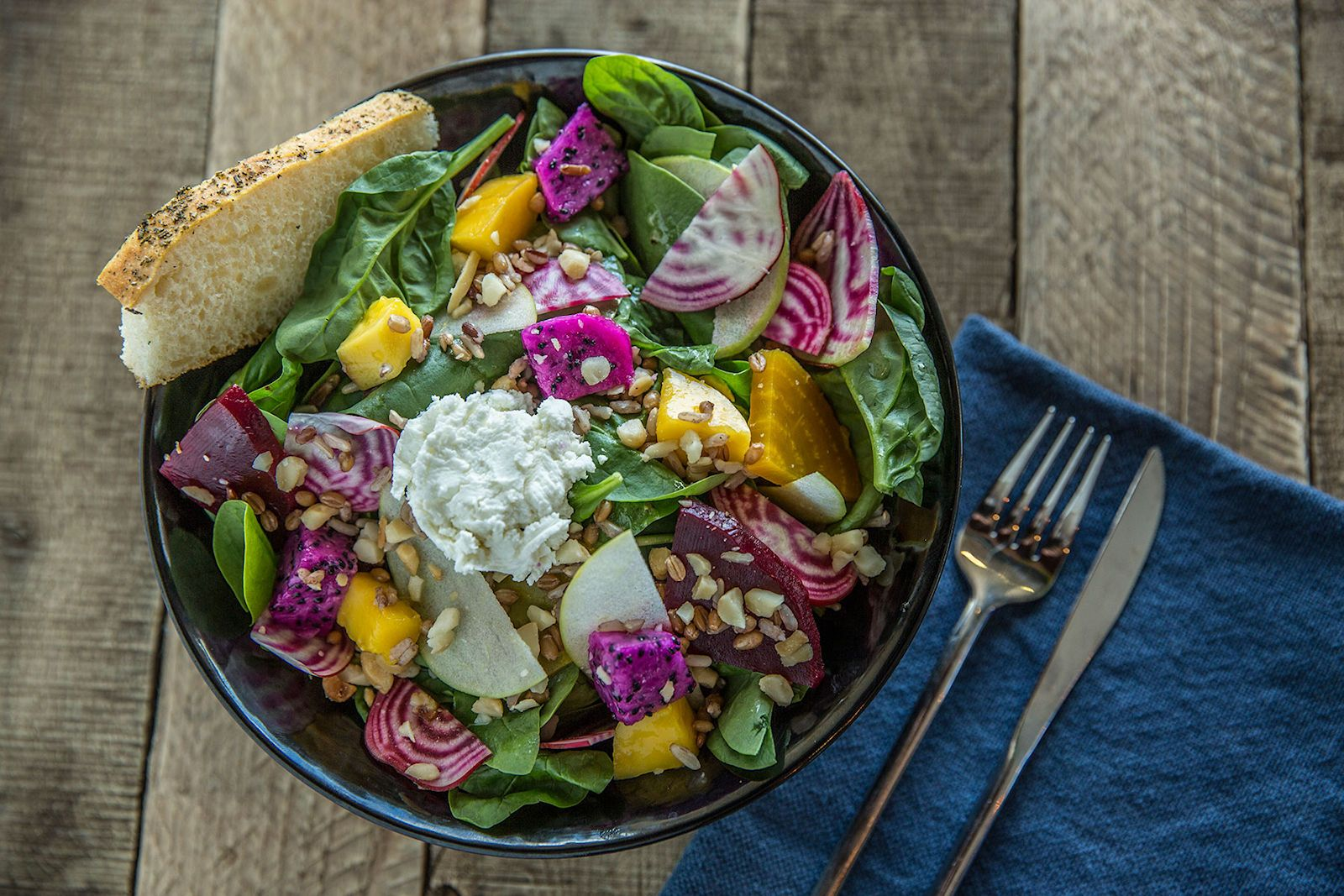 Fork & Salad, a health-focused eatery with a mission to make farm-to-table cuisine accessible to the masses, is opening its second corporate location on Friday, June 1 in the Pu'un?n? Shopping Center in Kahului, Maui.