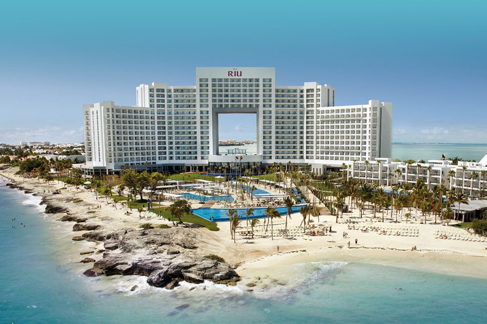 El Fenix Celebrates 100th Anniversary with Beach Vacation Giveaway