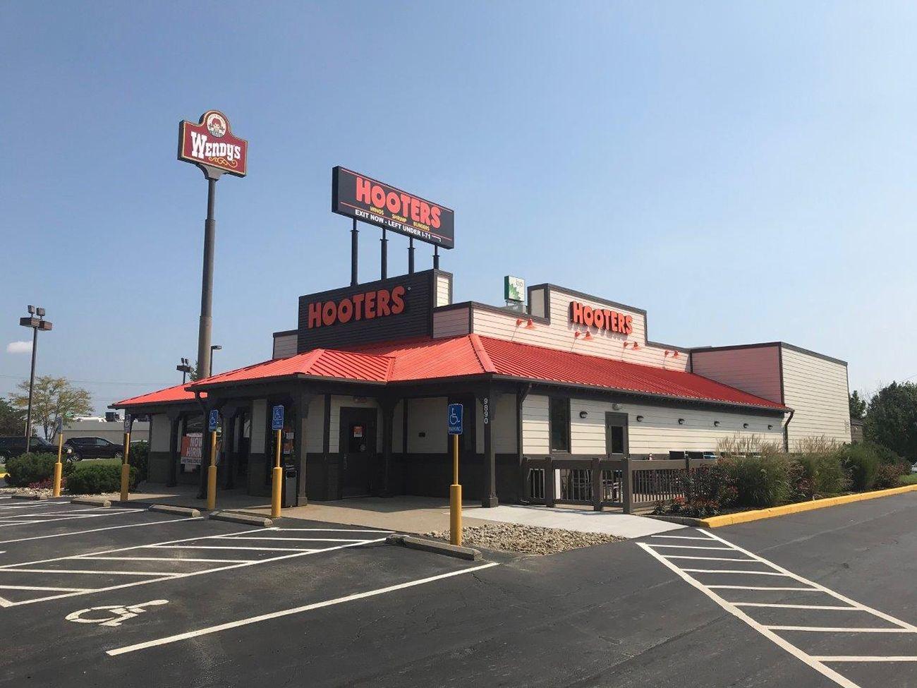 Hooters Opens Newest Location In Mason Ohio Restaurantnewscom