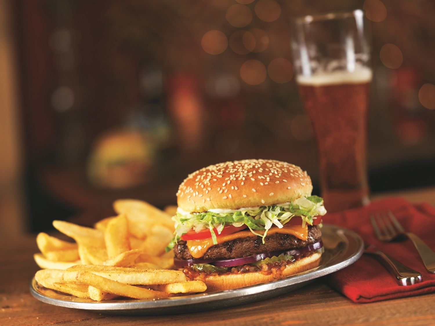 Red Robin Gourmet Burgers and Brews Celebrates National Cheeseburger Day with a $5 Gourmet Cheeseburger and Bottomless Steak Fries Deal