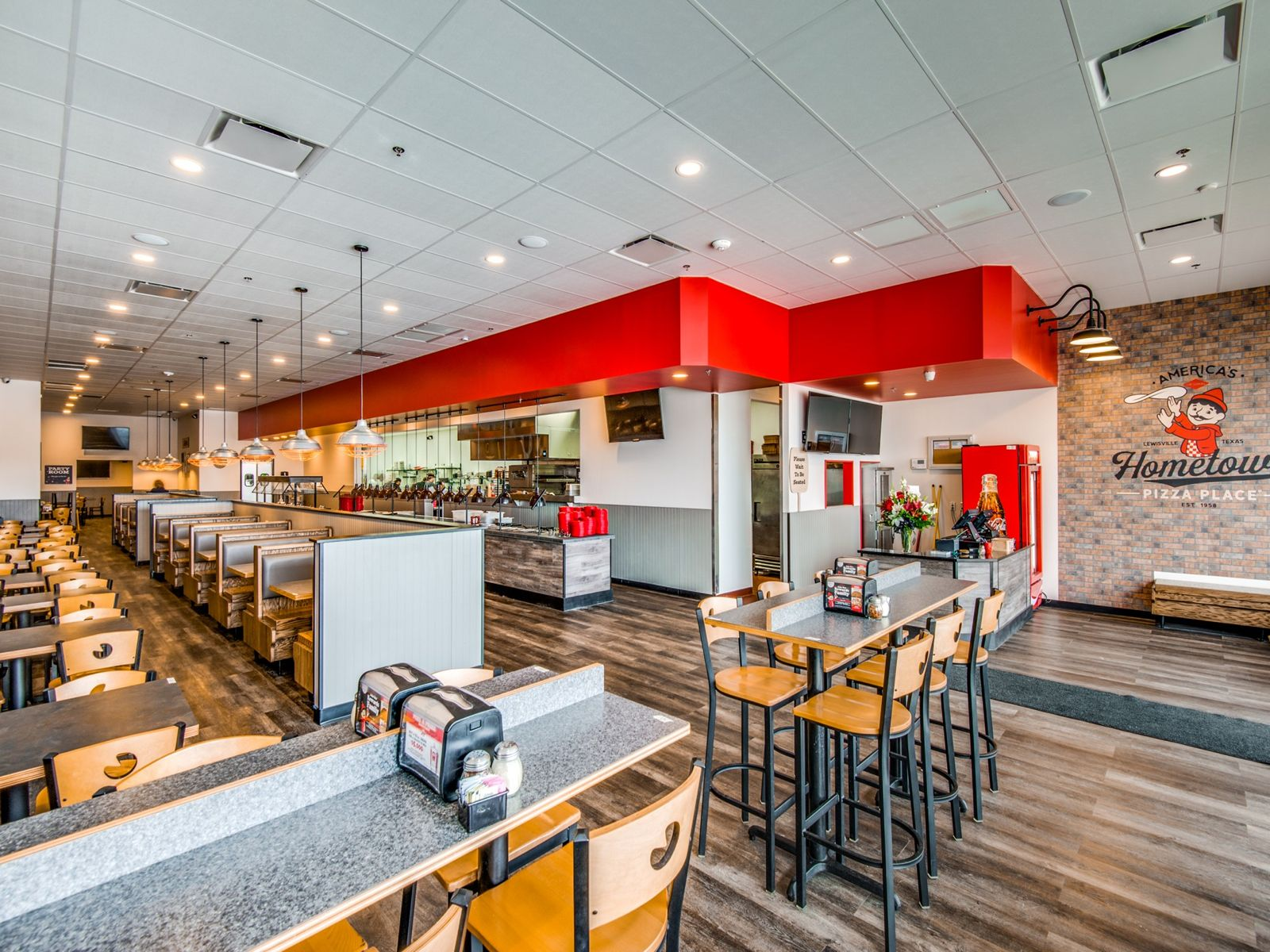 Lewisville Family Brings Pizza Inn Back to Town
