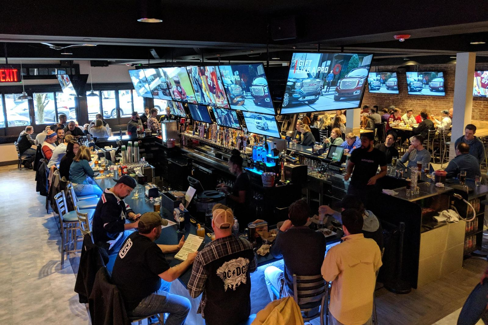 Arooga's Tap & Kitchen in Rockville Centre, NY to Celebrate Grand Opening December 1st