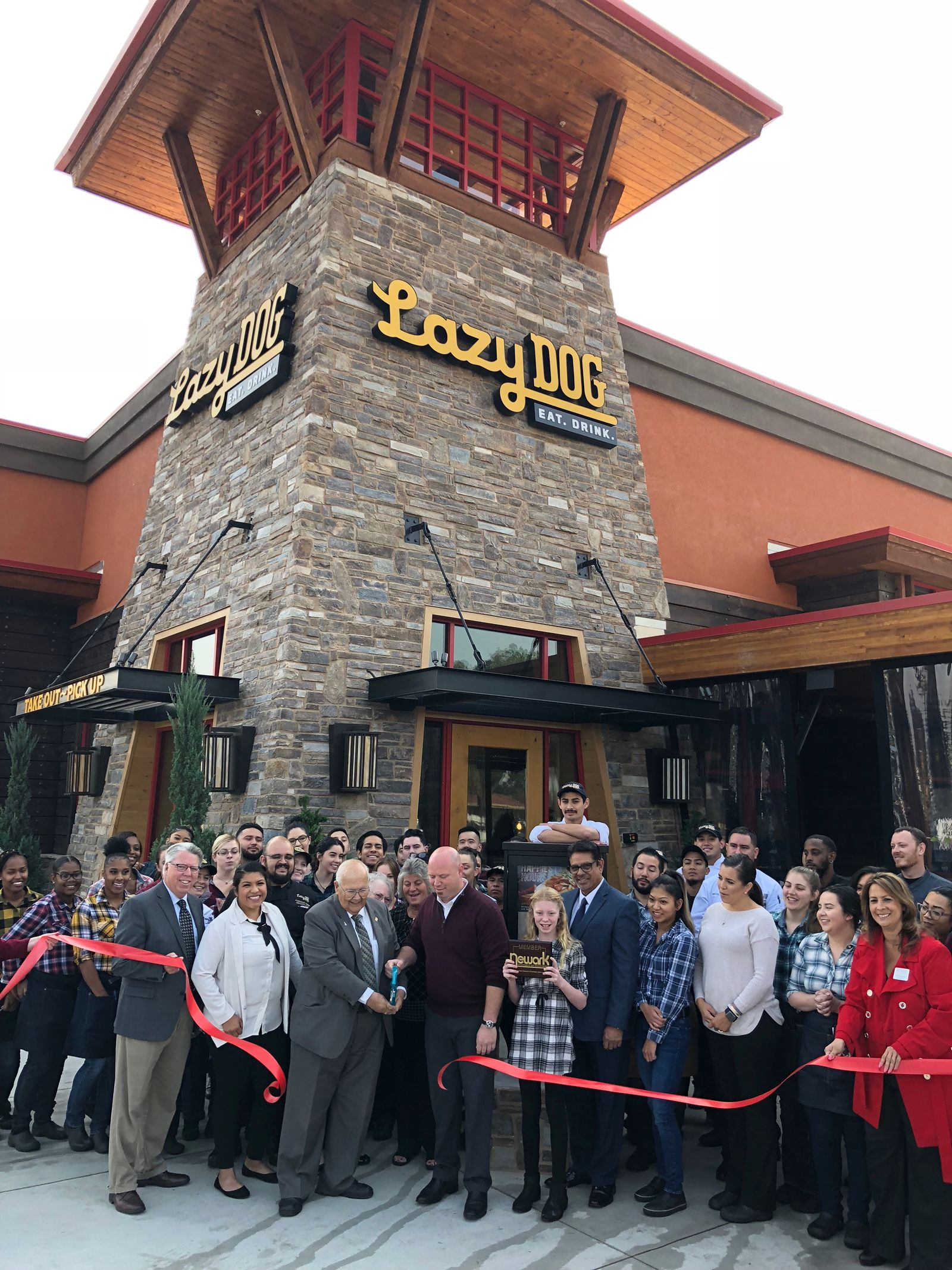 Lazy Dog Restaurant & Bar Opens in Newark, CA