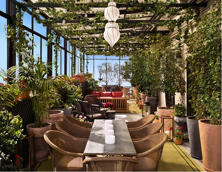 Hotel Restaurant Retractable Roof Systems Provide Year-Round Views and Maximize Revenue
