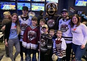 Arooga's Grille House & Sports Bar and the Hershey Bears Tally Best Year Yet for 'Running for Rachel' and Cancer Research