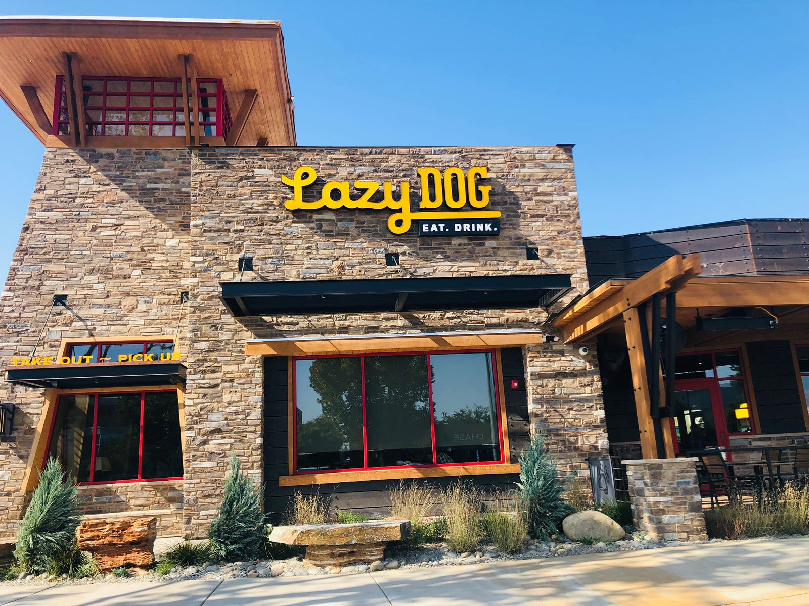 Lazy Dog Restaurant & Bar To Open in Houston's Cypress Crossing