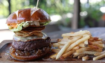 "Teak Neighborhood Grill Chosen By The Travel Channel ""As World-Class Burger"" For Florida In ""50 States Of Burgers"""