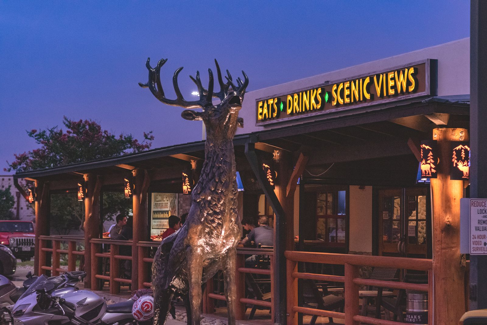 Twin Peaks Reveals Newly Remodeled Round Rock Restaurant