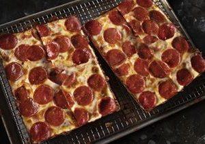 Jet's Pizza Celebrates 41st Anniversary