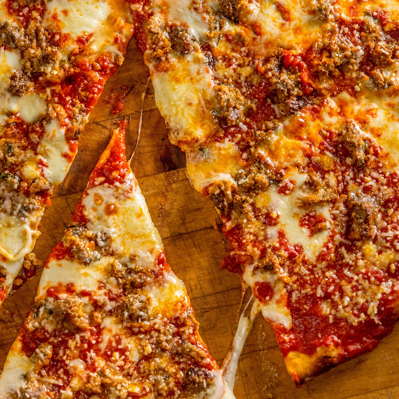 Famed authentic New York pizza concept, Artichoke Basilles Pizza, will open its first location across the Hudson River at 96 Hudson Street in Hoboken, New Jersey on Monday, October 7 at 11 a..m. The opening marks the first of five Artichoke Pizza locations to be opened across the state by franchisees Premal & Leelawathi Shanghvi.