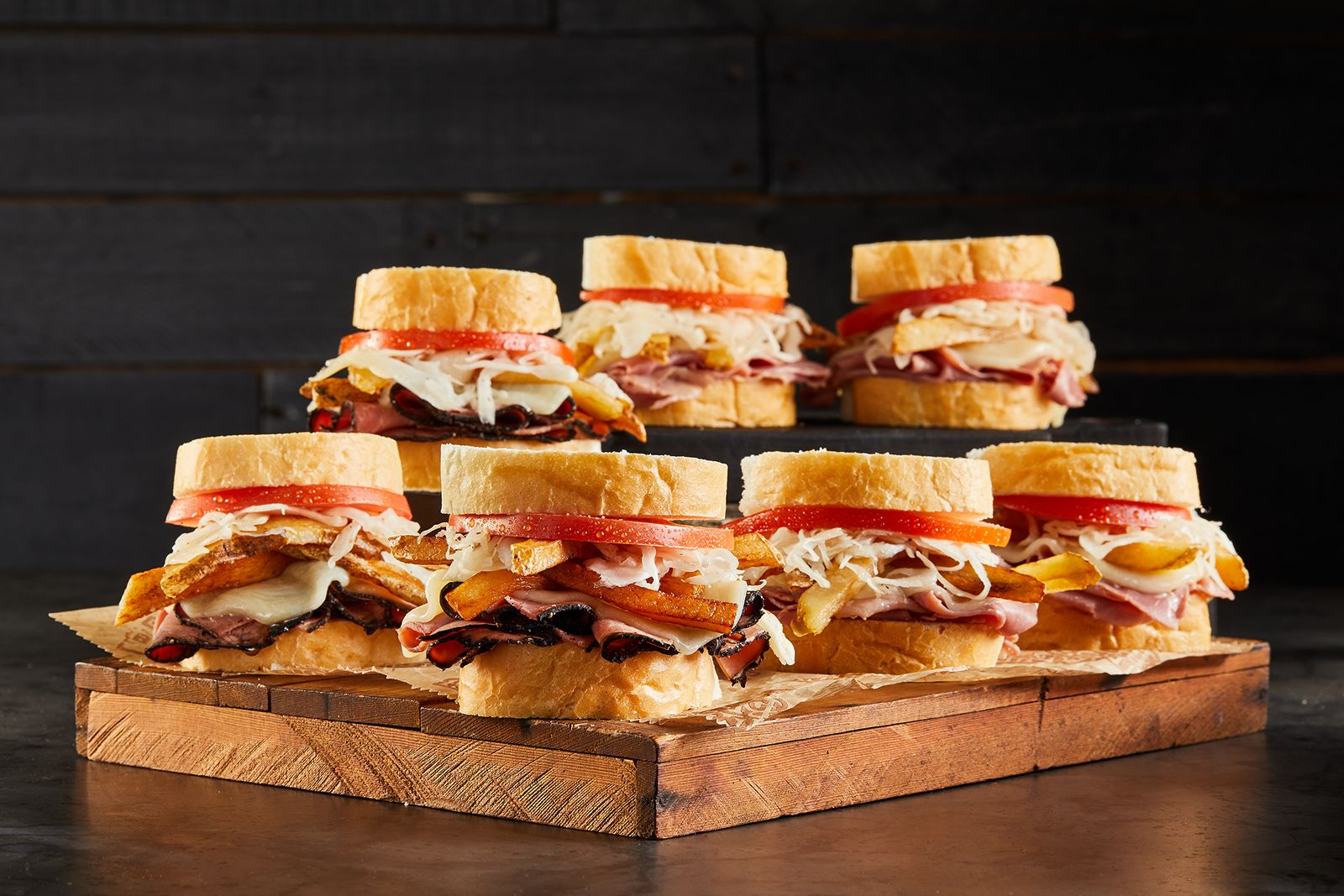 """Primanti Bros. Restaurant and Bar Cohosts Michael Mina Tailgate Experience at Steelers v. 49er's Game with """"Mini"""" Almost Famous Sandwiches"""
