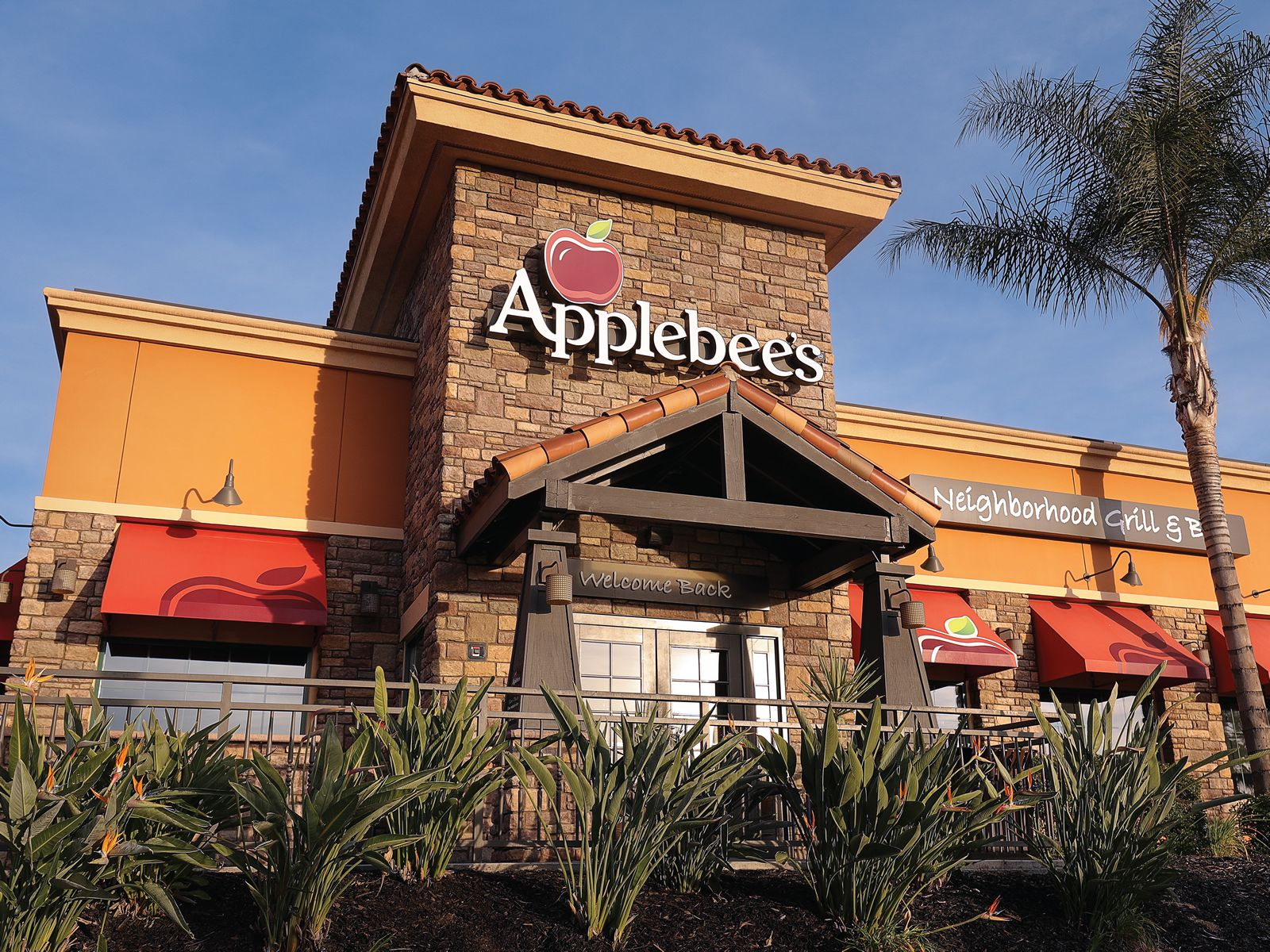 Applebee's Restaurants Nationwide to Serve Free Meals in Honor of Veterans Day
