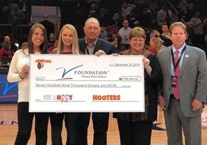 Hooters Raises More than $700,000 in the Fight Against Breast Cancer