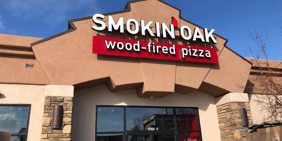 Pizza au feu de bois Red Hot Smokin 'Oak préparée pour une croissance rapide de la franchise