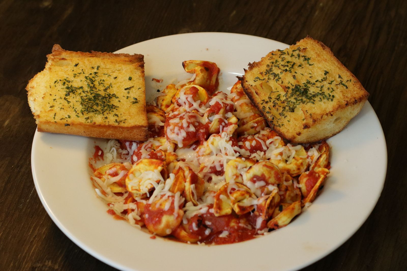 Straw Hat Pizza Announces New Straw Hat Pizza Grille to be located in Clovis, CA