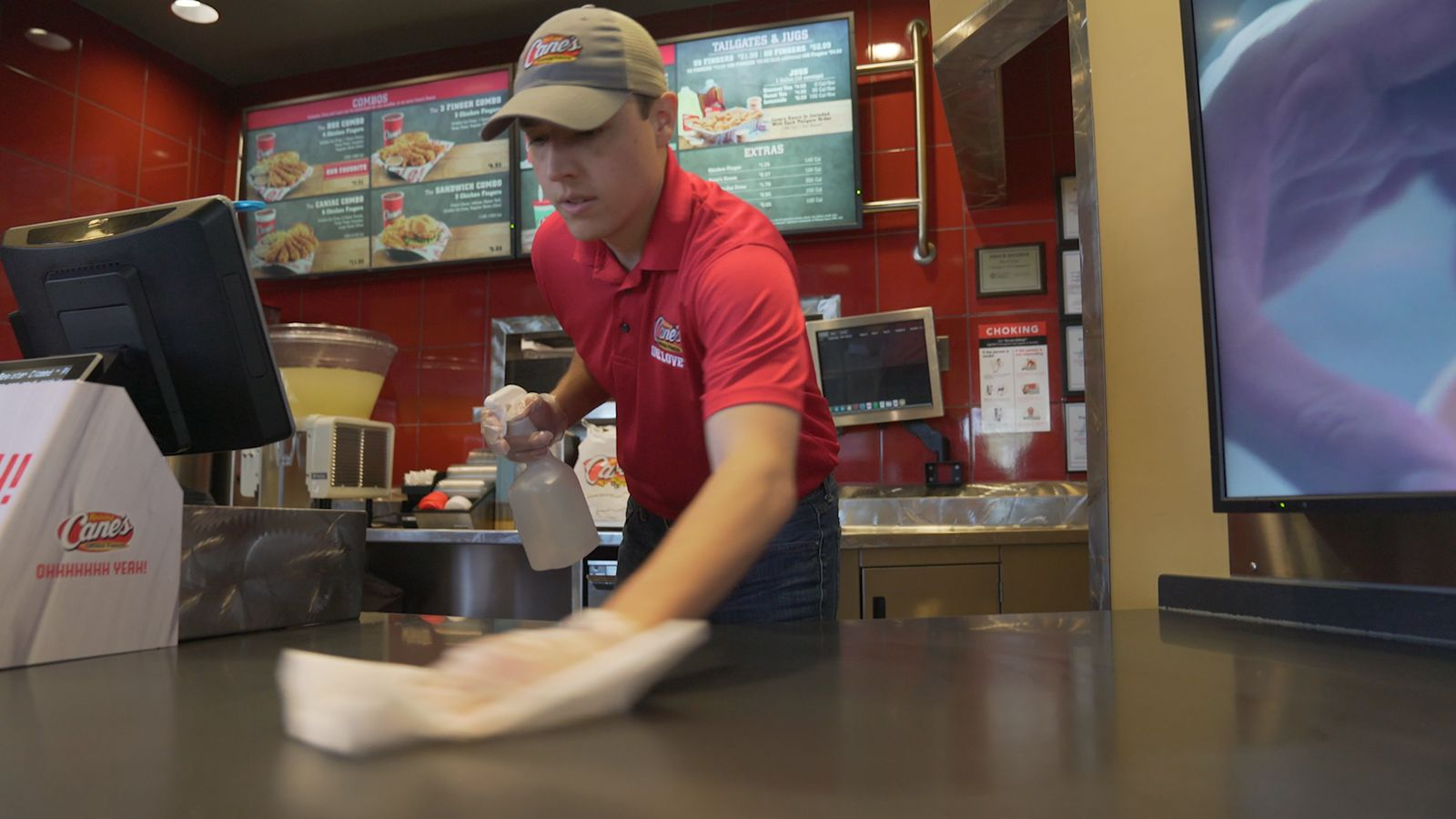 Raising Cane's Thrives, Even in Times of Crisis, with Unrelenting Focus on Crew and Culture, Distributing $2 Million Crew Bonus