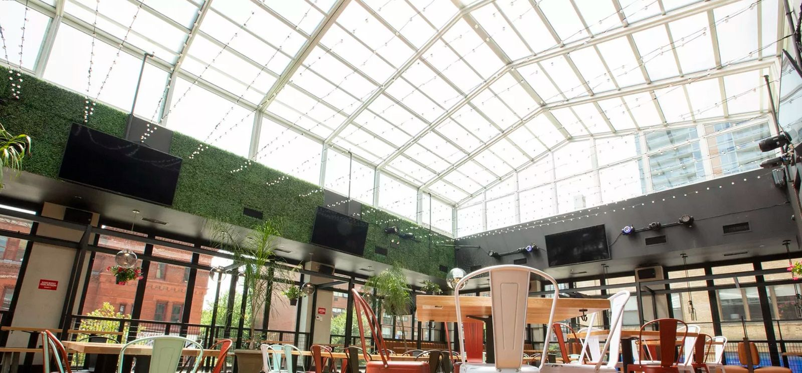 Restaurant Retractable Roofs Enhance Outdoor Patios