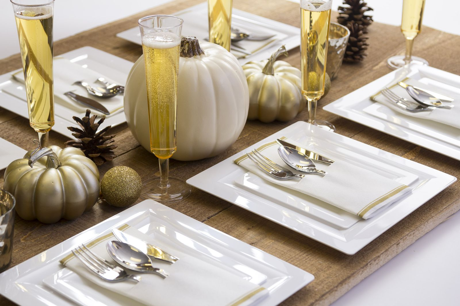 Novolex Offers Elegant Solutions for Safer Holiday Dining